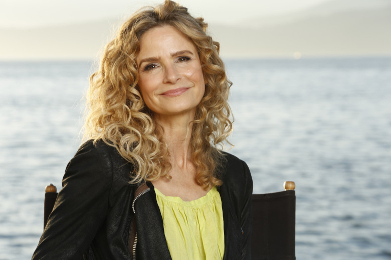 Kyra-Sedgwick-Age-Height-Weight