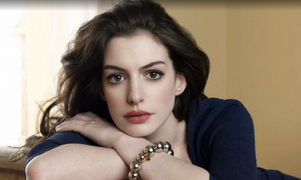 anne-hathaway-age-height-weight-net-worth