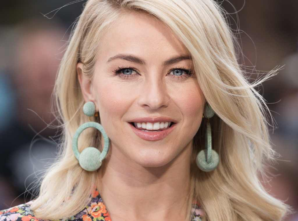 Julianne Hough Net Worth And Complete Bio 1
