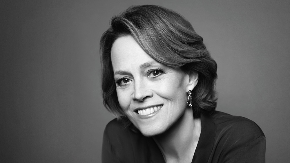 sigourney-weaver-age-height-weight