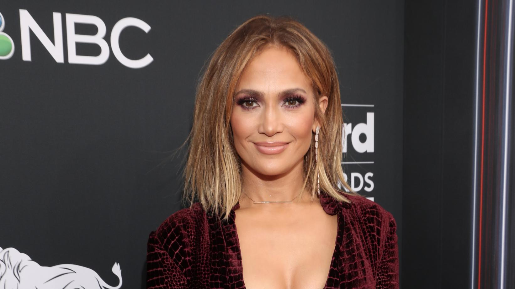 Jennifer-Lopez-Wiki-Biography-Age-Height-Weight-Profile-Body Measurement