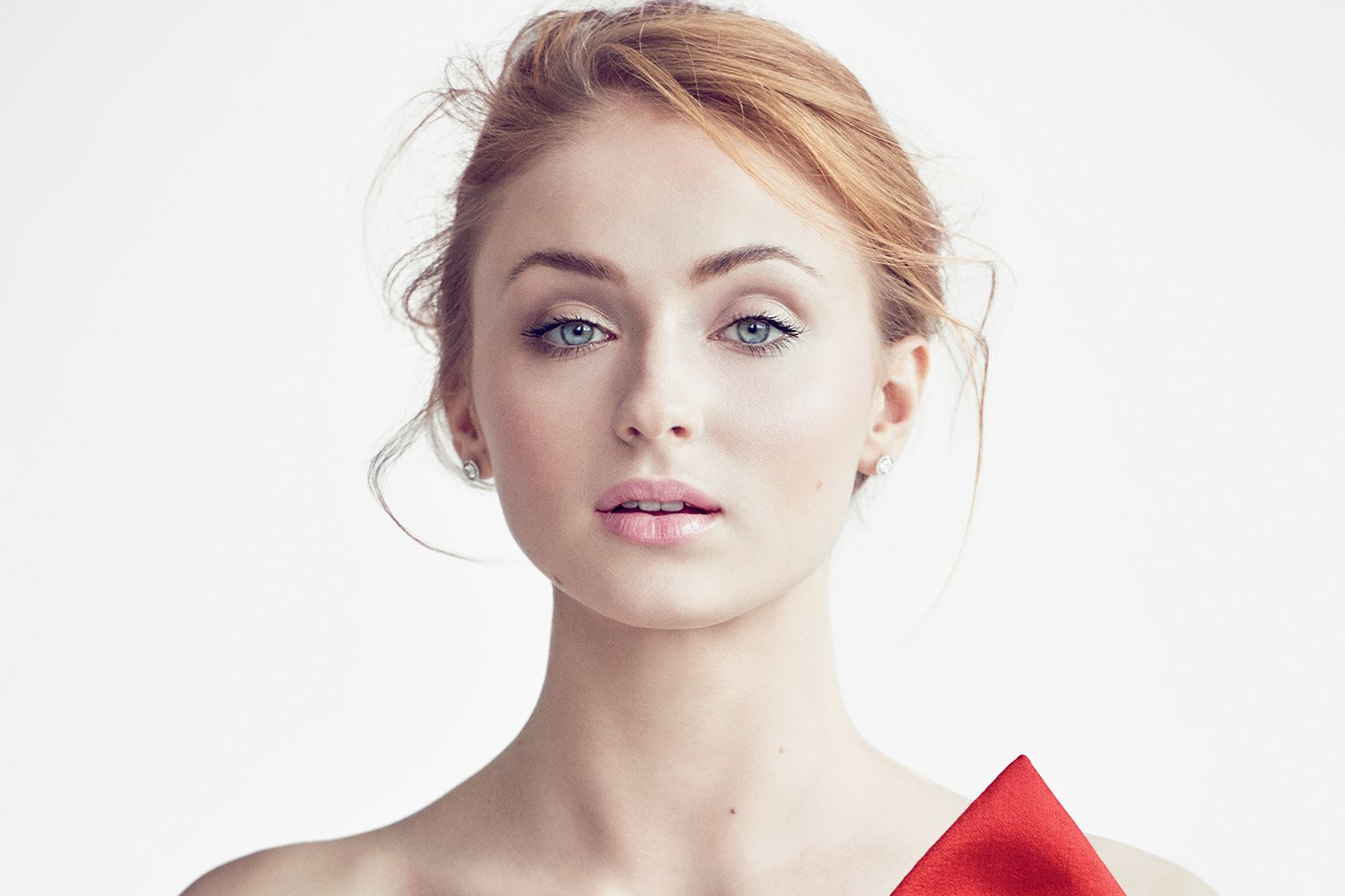 Sophie-Turner-Height-Weight-Age-Bra-Size-Affairs-Body-Stats