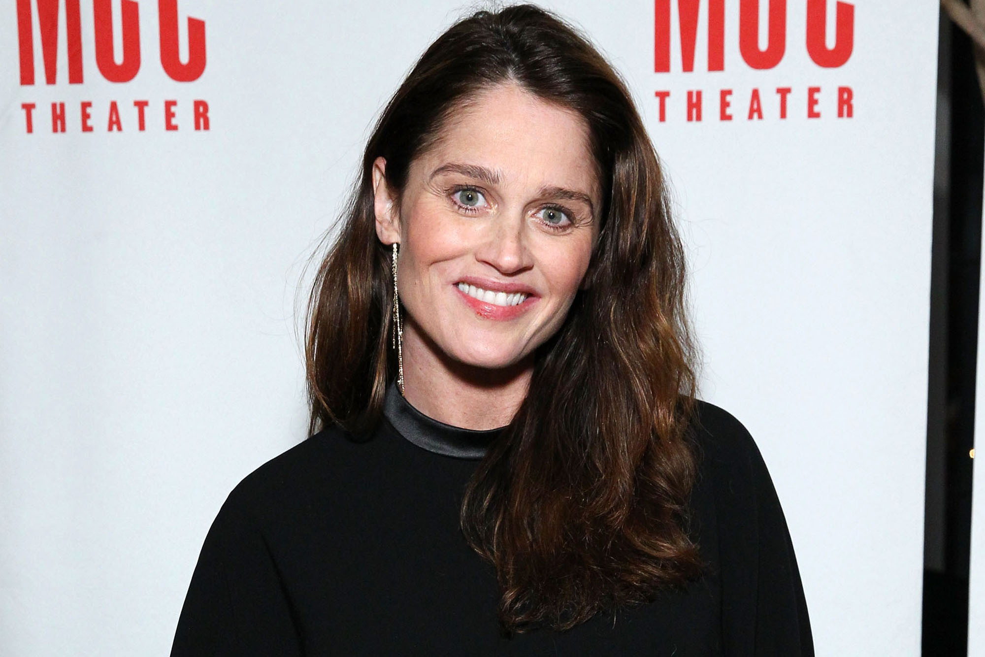 Top 10 Facts About Robin Tunney You Didn't Know Before