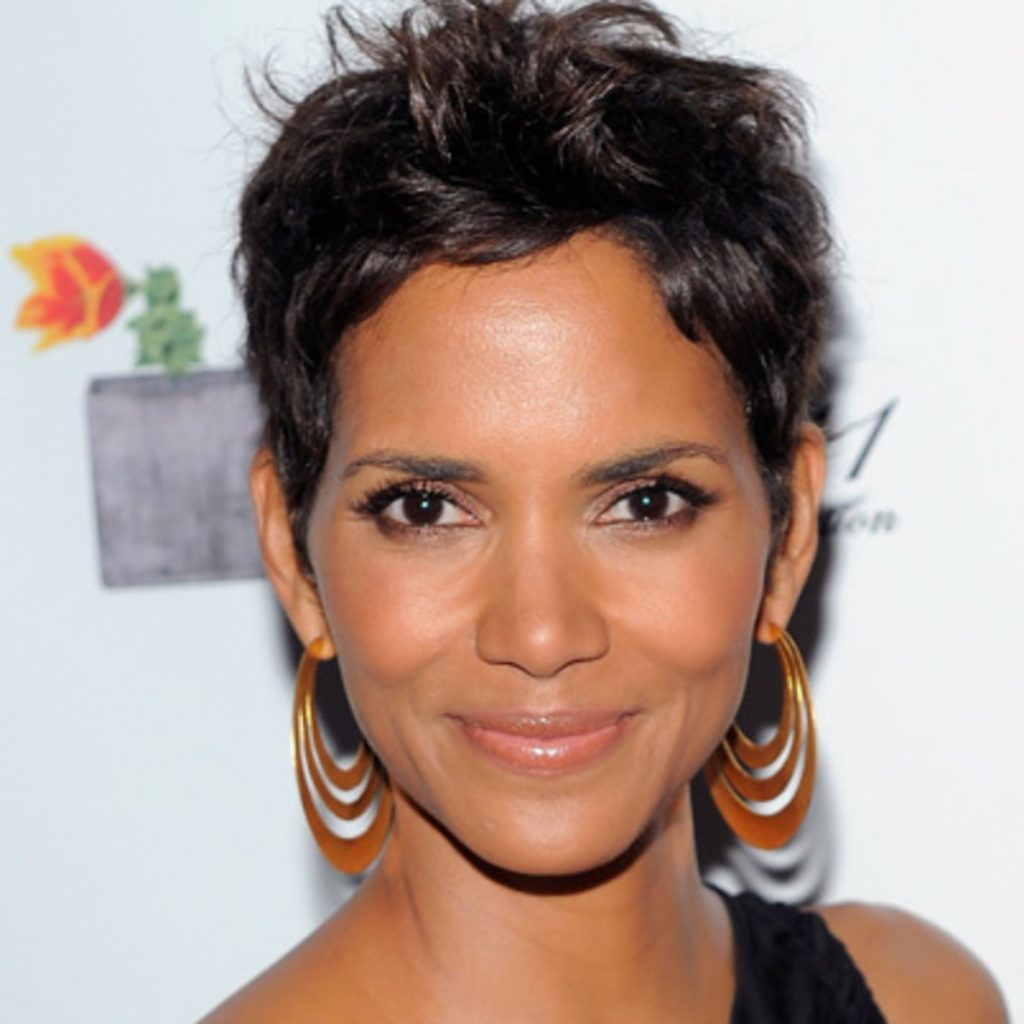halle-berry-age-height-weight-body measurements