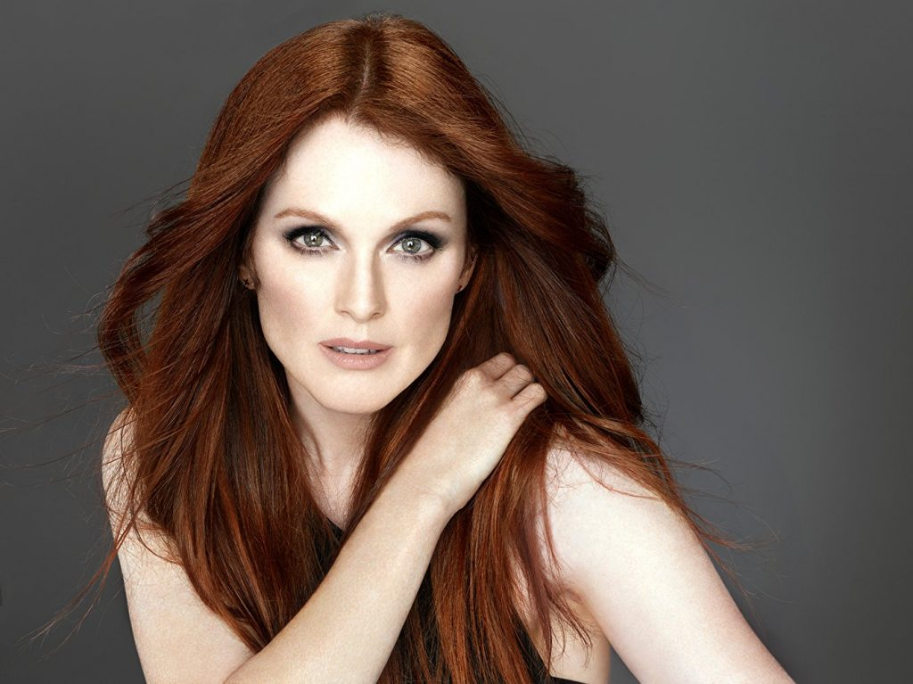 julianne-moore-age-height-weight