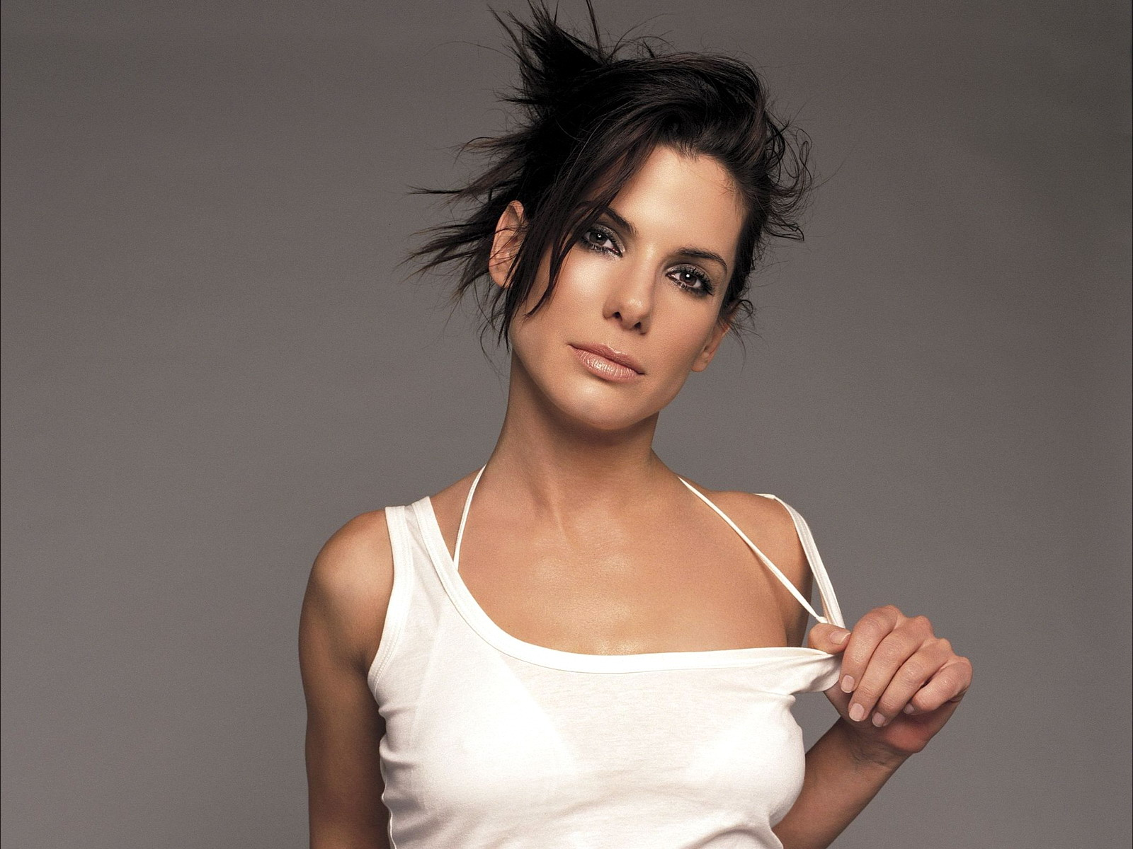 sandra-bullock-age-height-weight-body measurement