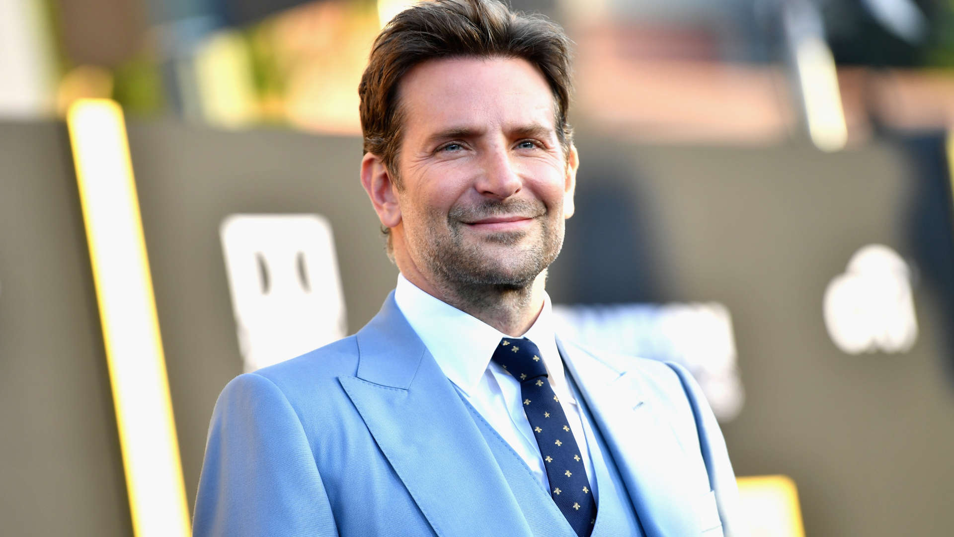 Bradley-Cooper-Height-Weight-Age-Size-Affairs-Body-Stats