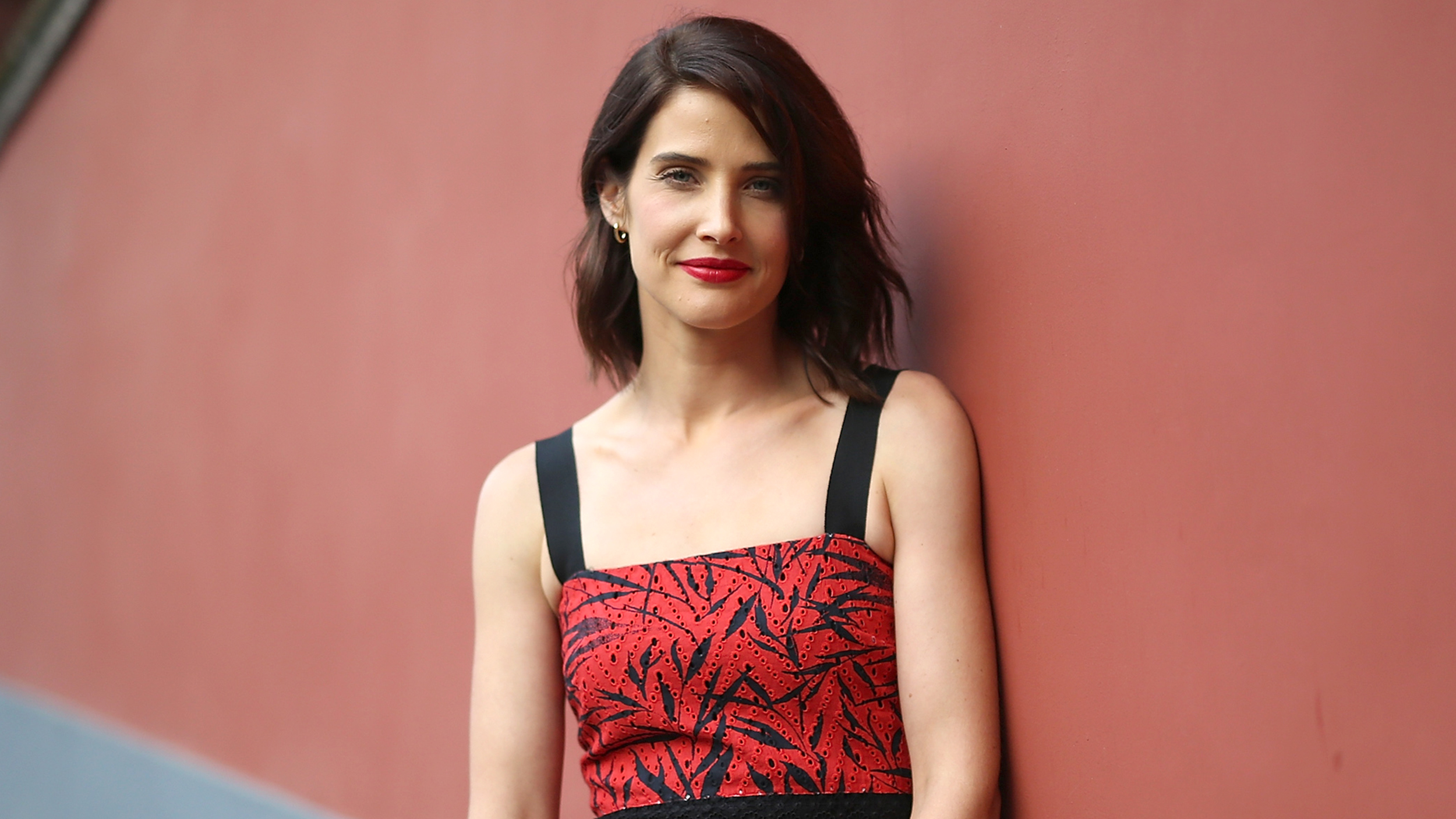 Cobie-Smulders-Wiki-Biography-Age-Height-Weight-Profile-Body-Measurement.