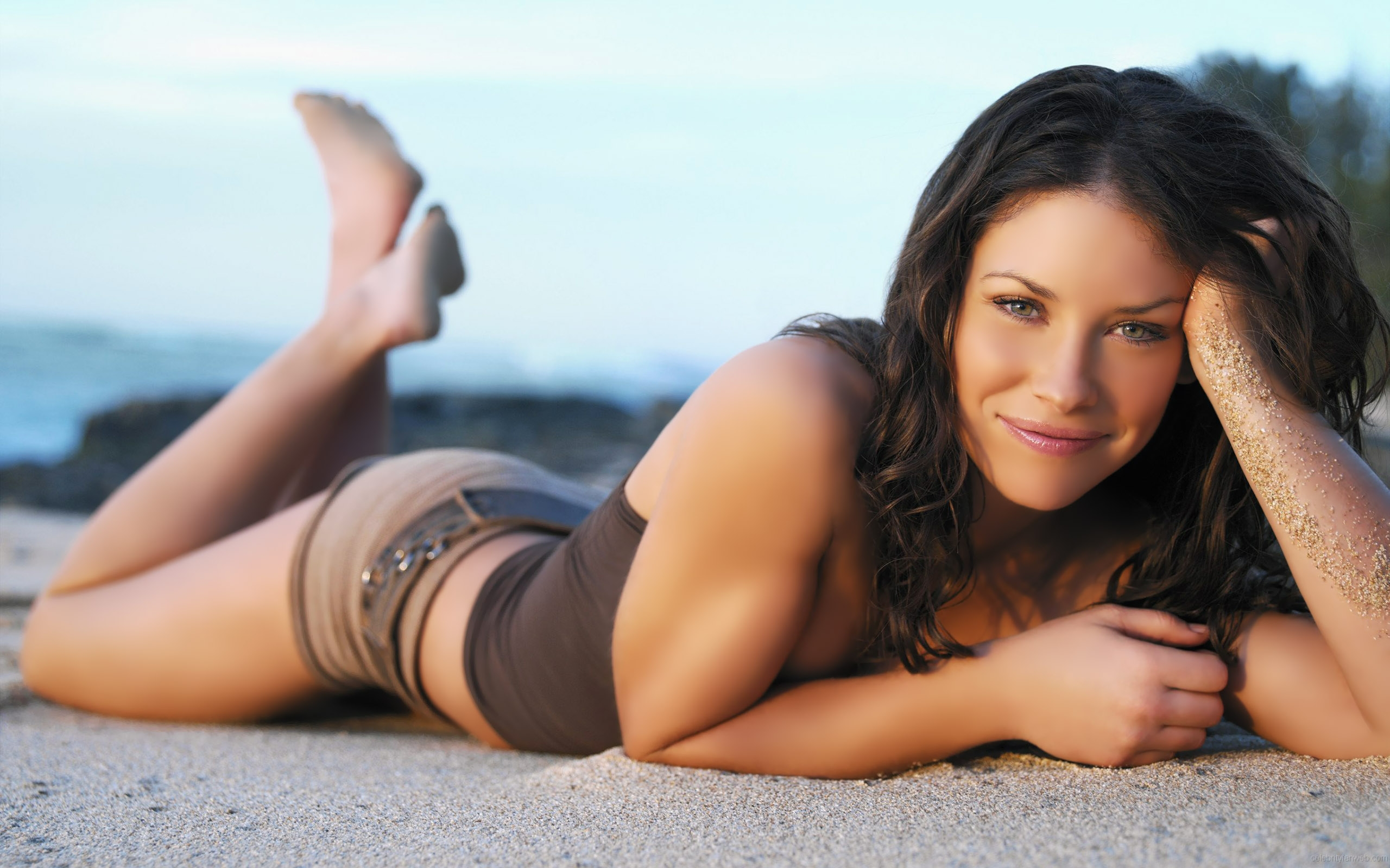 Evangeline-Lilly-Height-Weight-Age-Bra-Size-Affairs-Body-Stats