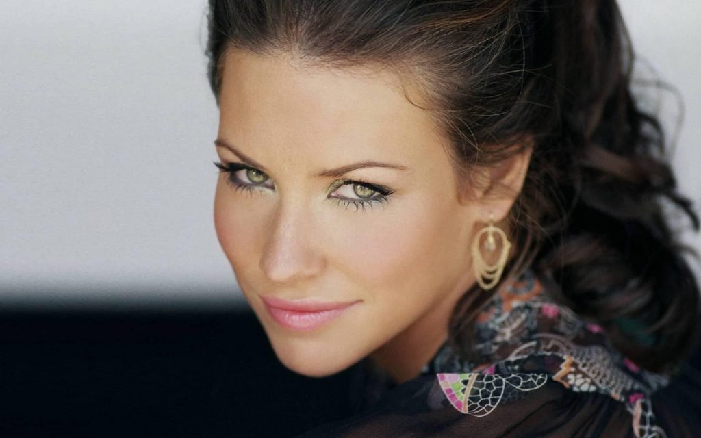 Evangeline-Lilly-Wiki-Biography-Age-Height-Weight-Profile-Body Measurement