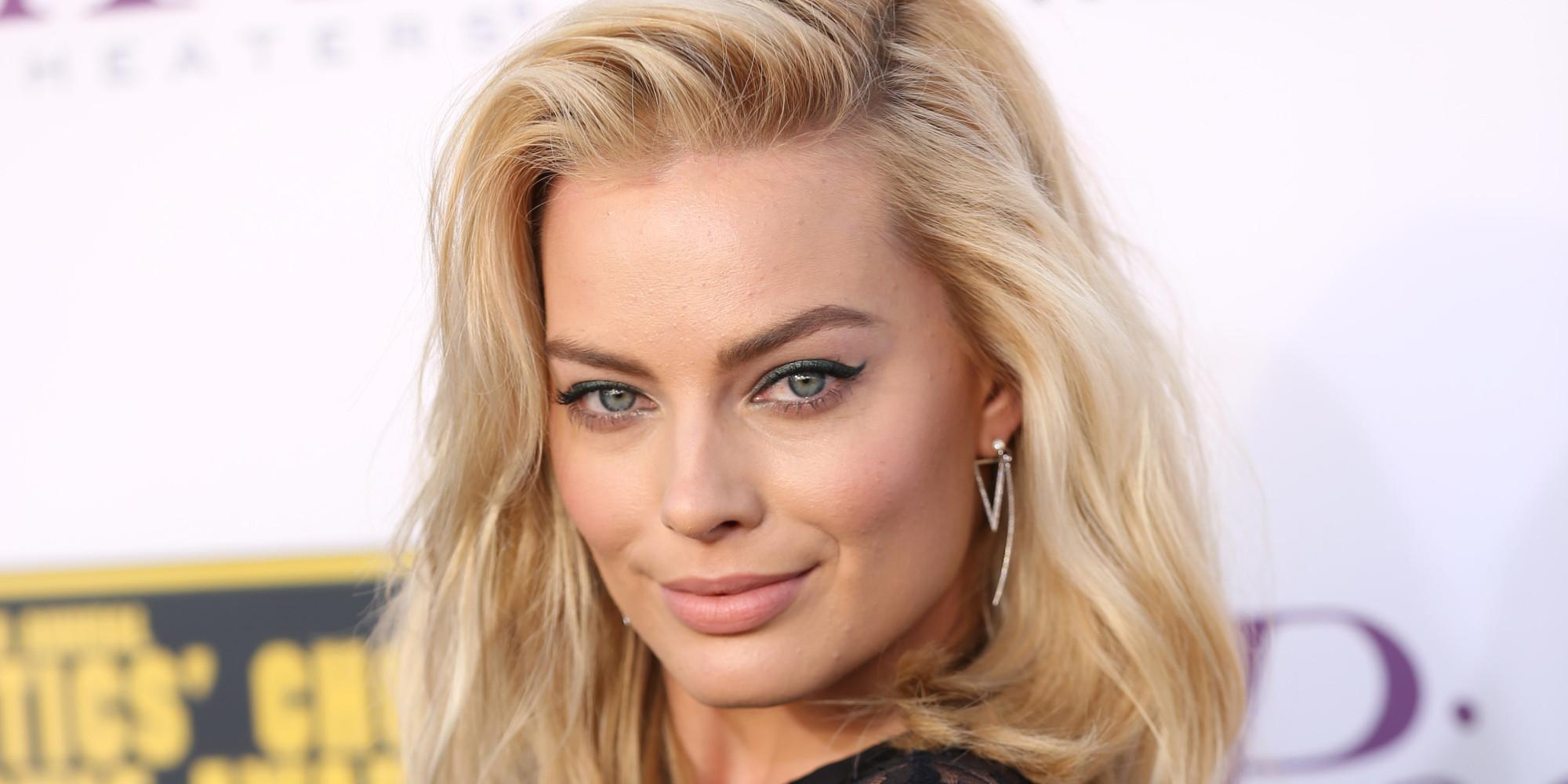 Margot-Robbie-Height-Weight-Age-Bra-Size-Affairs-Body-Stat