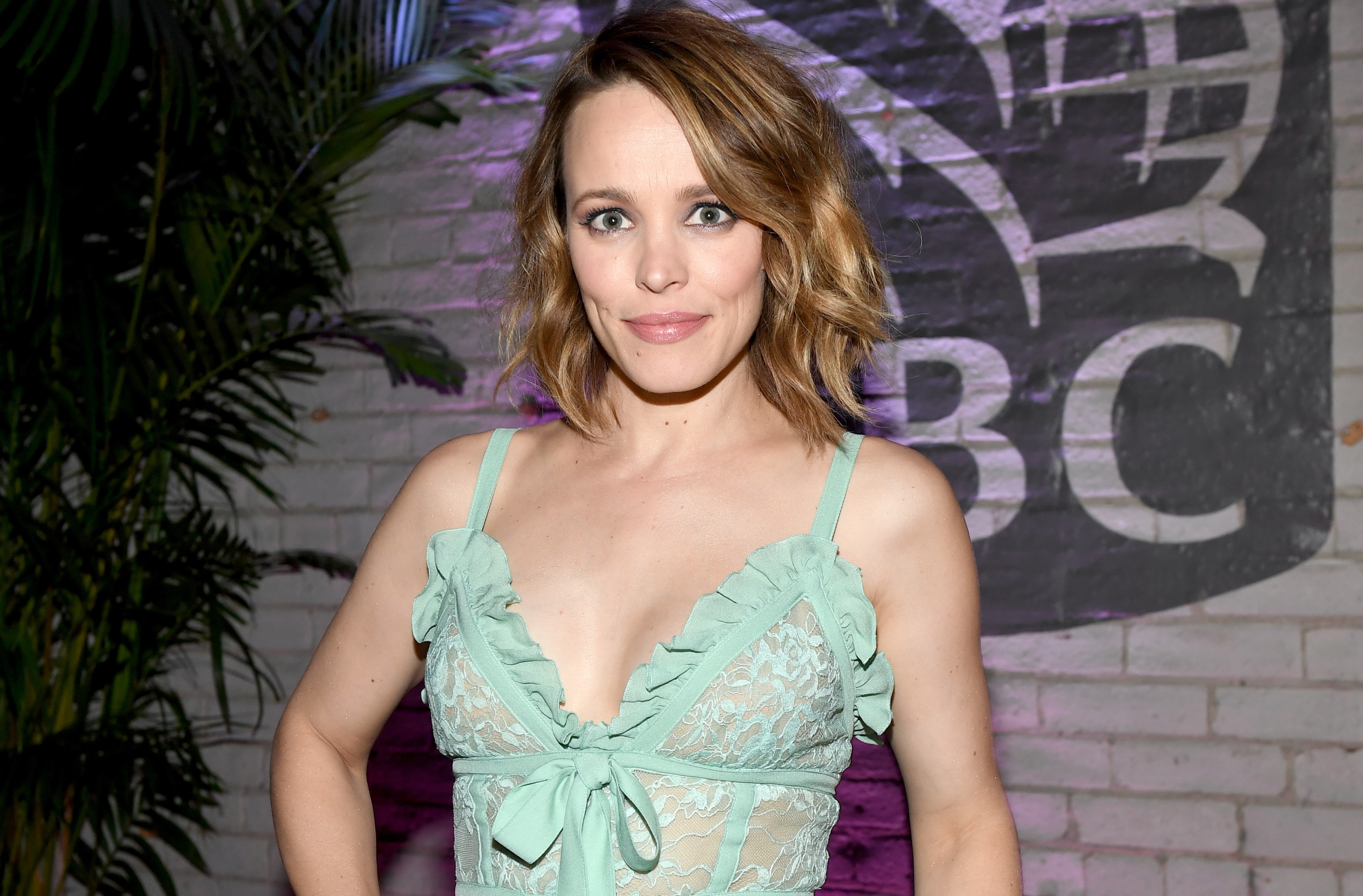 Rachel-McAdams-Wiki-Biography-Age-Height-Weight-Profile-Body-Measurement