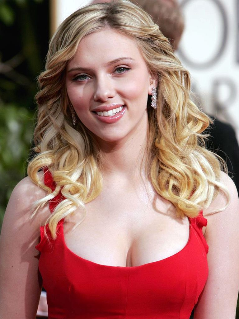scarlett-johansson-age-height-weight-net-worth